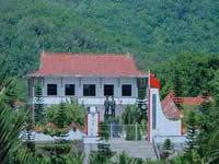 母瑞山革命纪念园
